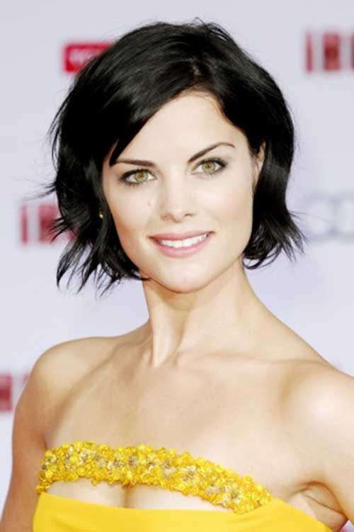 Simple and Cute Short Dark Hair Ideas