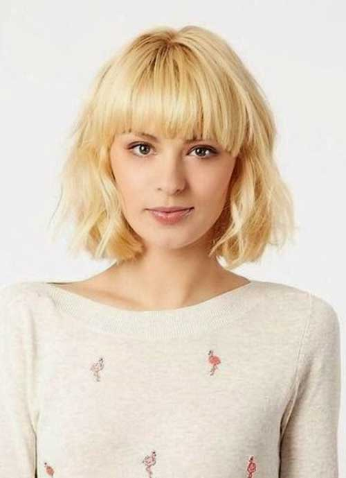 Chic Textured Bob Cut with Bangs