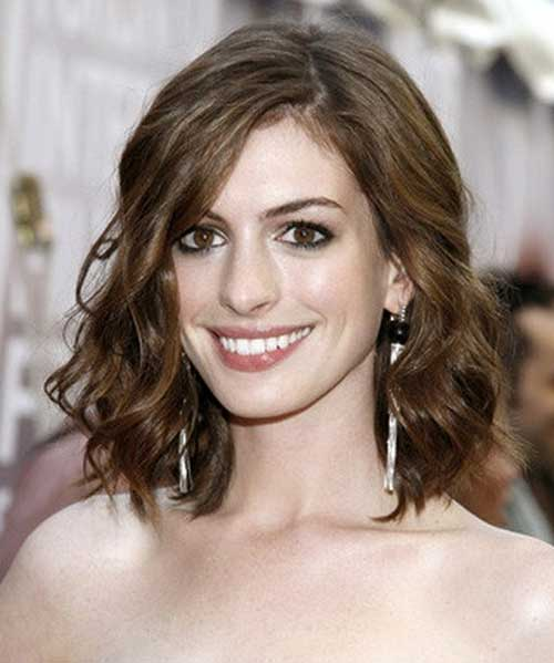 Anne Hathaway Lob: Short Hairstyles For Curly Wavy Hair