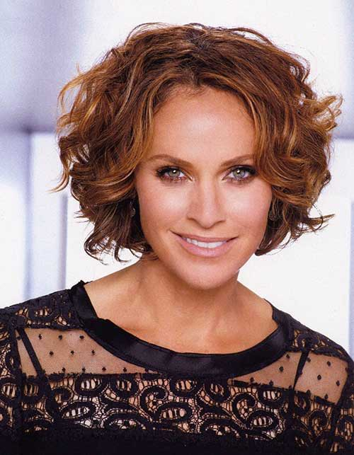 Best Curly Bob Hairstyles for Older Ladies