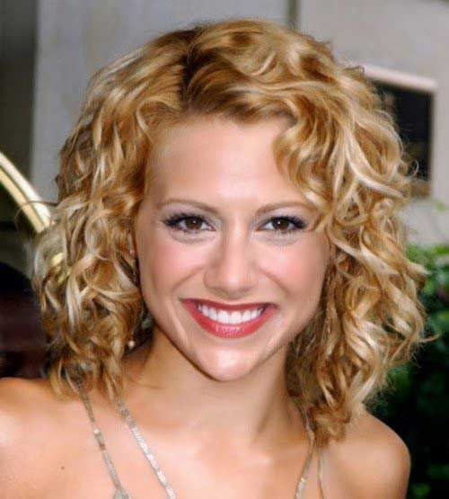 Best Cute Short Cuts for Curly Hair with Oval Face