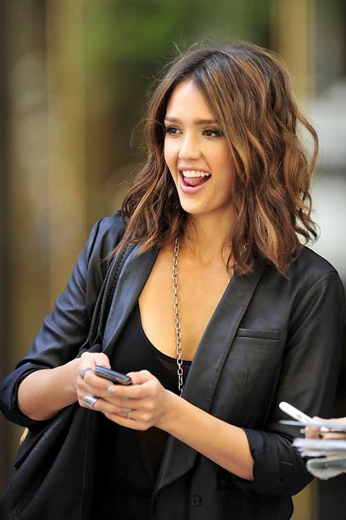 Jessica Alba Short to Medium Haircuts