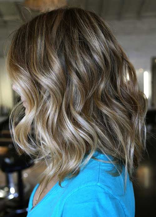 Medium Short Wavy Hair Styles
