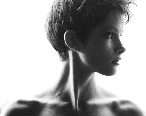 Pixie Cuts Back View for Oval Faces