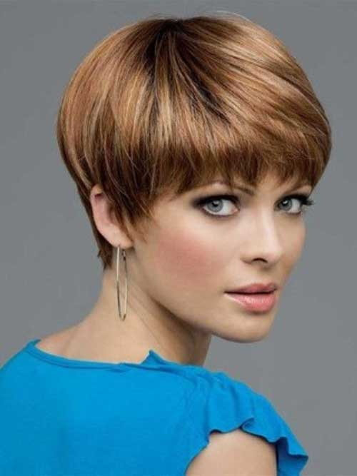 Stylish Pixie Cuts with Bangs for Oval Faces