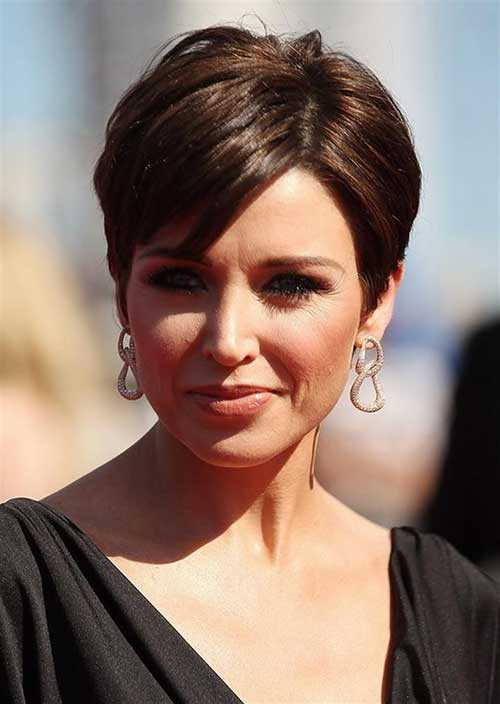 Best Short Haircut for Trendy Women