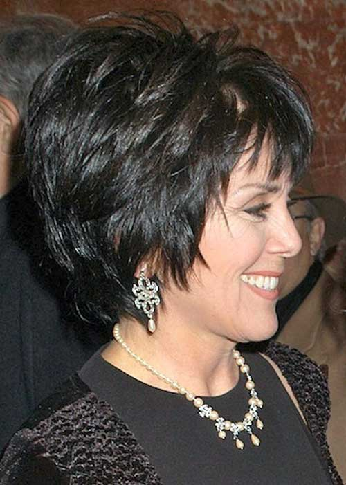 Chic Short Haircuts for Older Ladies