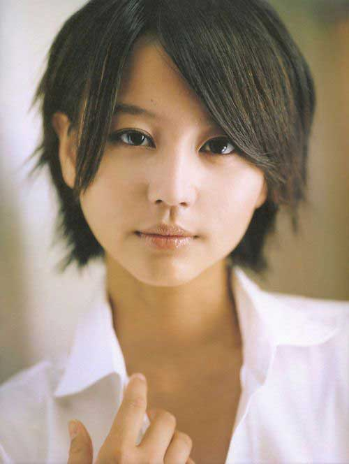 Trendy Short Layered Haircuts for Asian Women