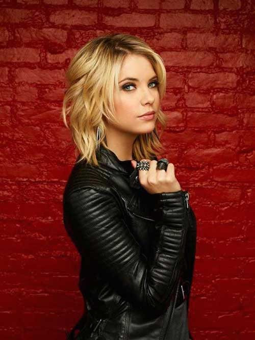 Wavy Blonde Hairstyles for Short Haircuts