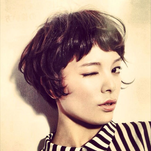 Best Cute Short Haircut with Messy Bangs