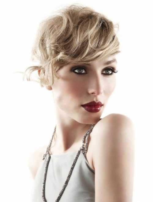 Gorgeous Pixie Cut Wavy Hair Cut