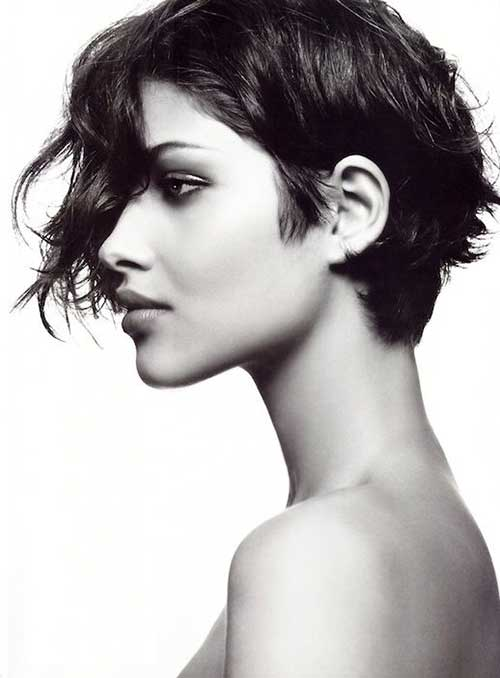 Chic Growning Out Pixie Wavy Hair