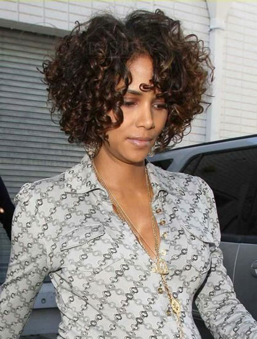 Halle Berry Short Naturally Curly Hair Style
