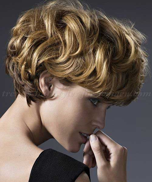 Short Haircuts For Wavy Hair | The Best Short Hairstyles ...
