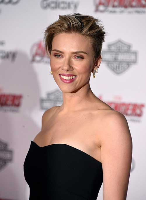 Scarlett Johansson Cool Short Hair