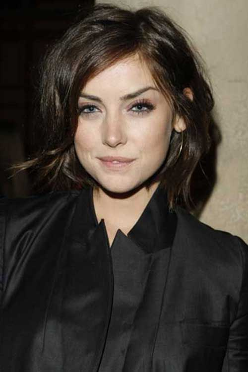 Chic Short Hairstyles for Wavy Hair