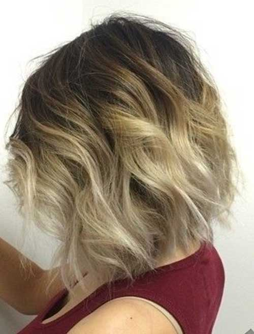 Short Haircuts for Wavy Hair-15