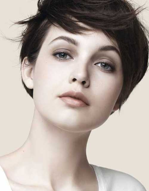 Chic Cute Hairstyles for Short Straight Hair