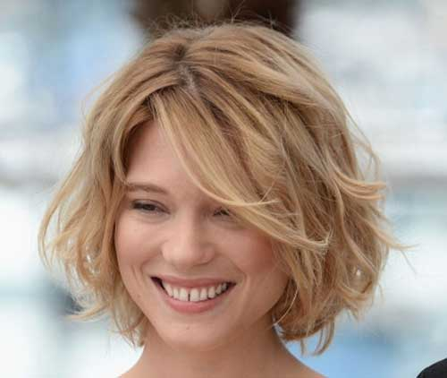Best Short Wavy Blonde Hairstyles