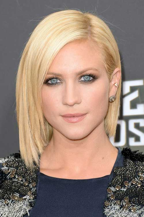 Side Swept Short Straight Hairstyles