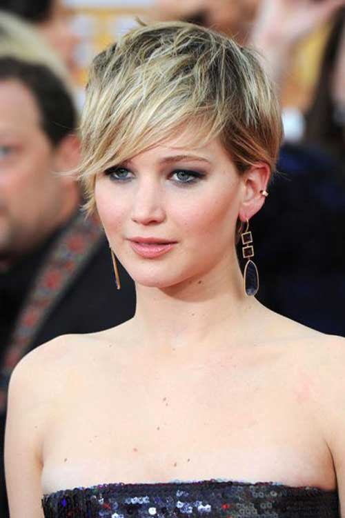 Pixie Hairstyles for Round Faces-11