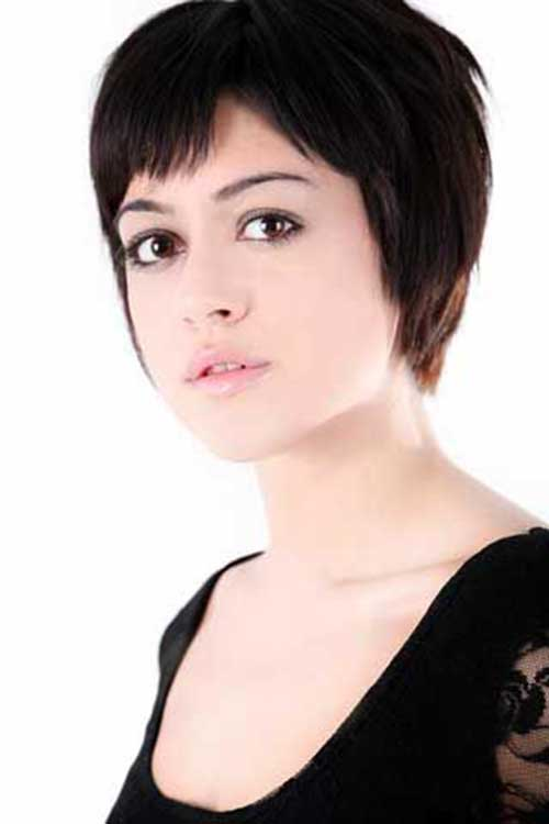 Pixie Hairstyles for Round Faces-12