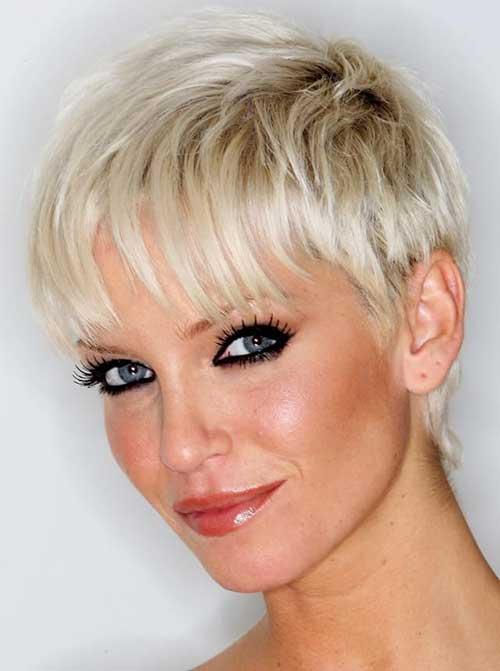 Cute Short Haircuts for Thin Hair-13