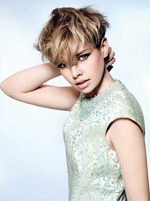 Pixie Hairstyles for Round Faces-16