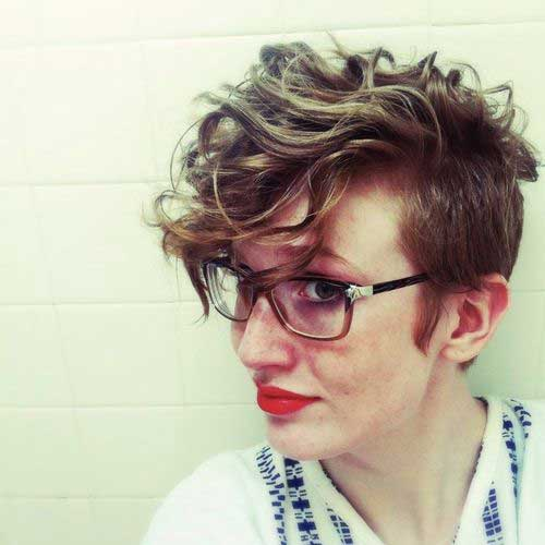 Pixie Cuts for Wavy Hair-18