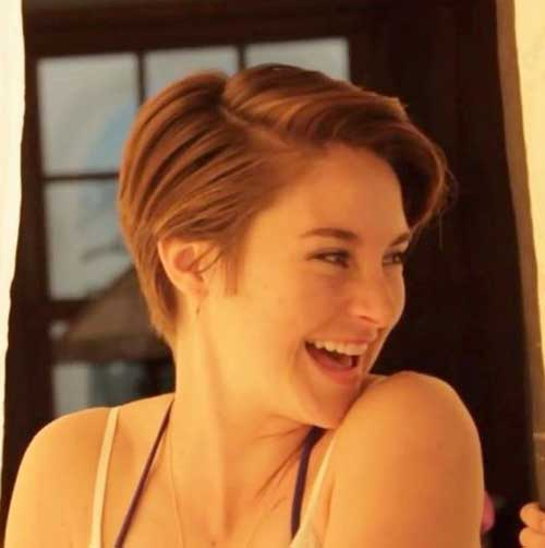 Celebrity with Short Hair-21
