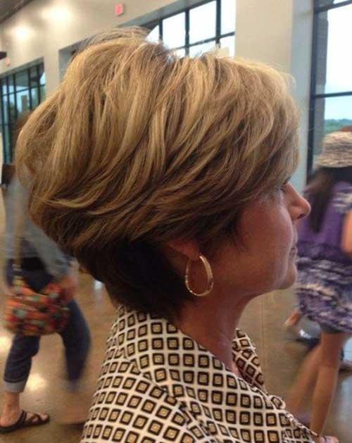 Short Haircuts Women Over 50-23