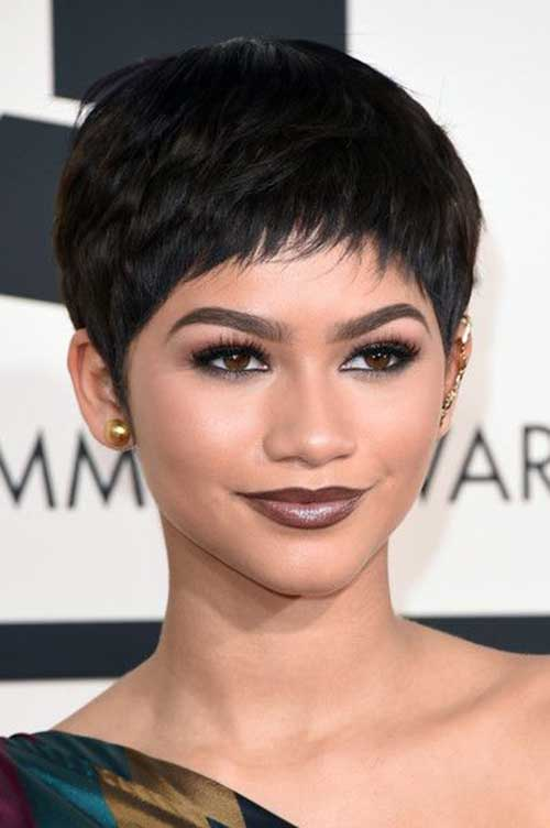 Celebrity with Short Hair-27