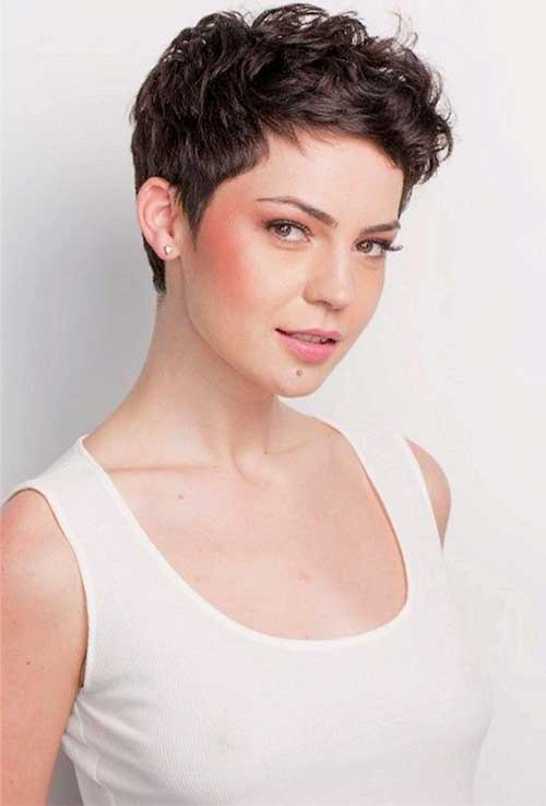 Pixie Cuts for Wavy Hair-7