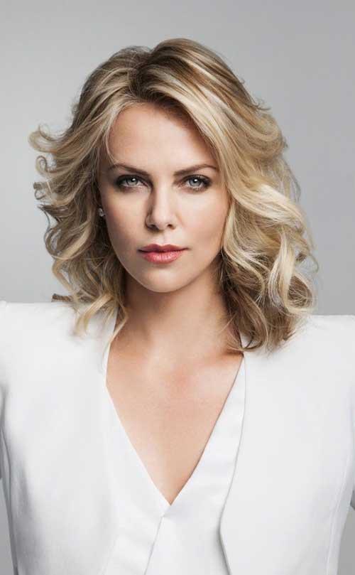 Short Hair for Women Over 40-10