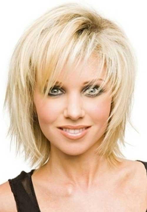 Short Hair for Women Over 40-11