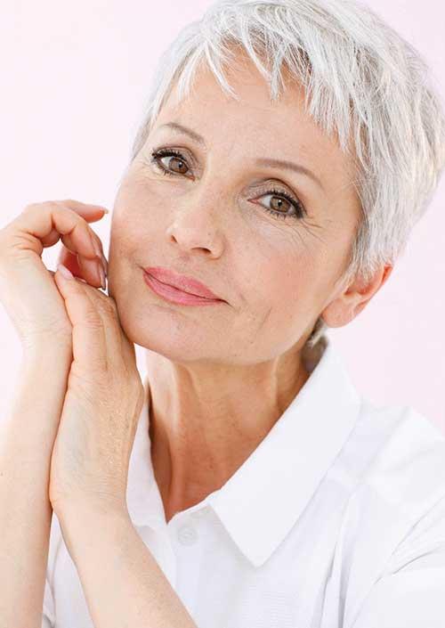 Short Hair Cuts for Older Women-21