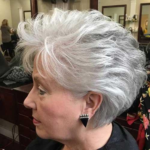 Short Hair Cuts for Older Women-23