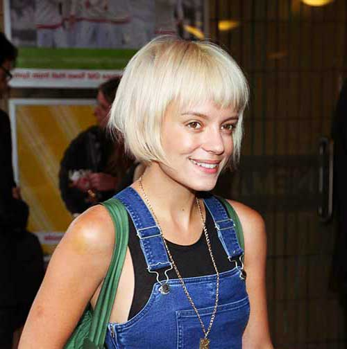 Female Celebrities with Short Hair-14