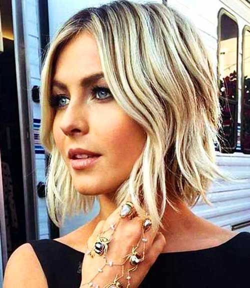 Short Bob Hairstyles with Blonde Color