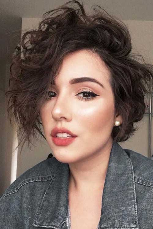 Short Haircuts for Rounded Face