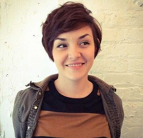 Short Haircuts for Round Faces-10