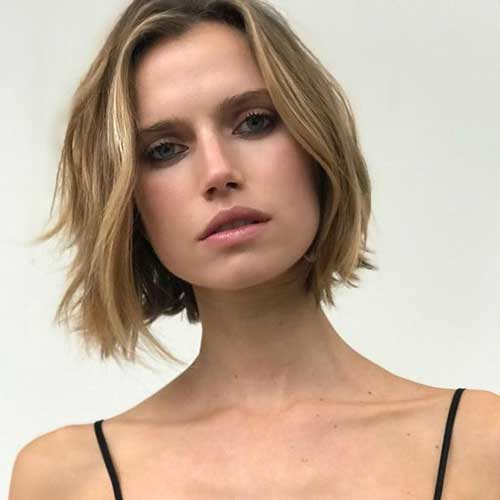Short Haircuts for Round Faces-8