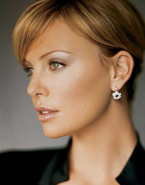 Charlize Theron Straight Short Pixie Haircuts