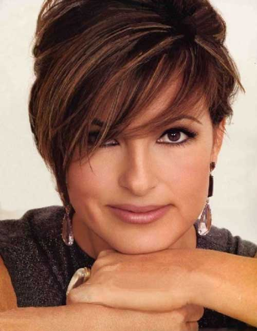Mariska Hargitay Short Bob Hairstyles with Bangs