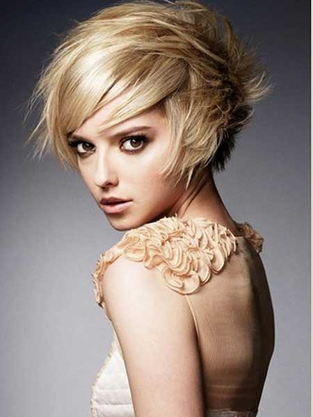 Blonde Original Messy Layered Short Bob