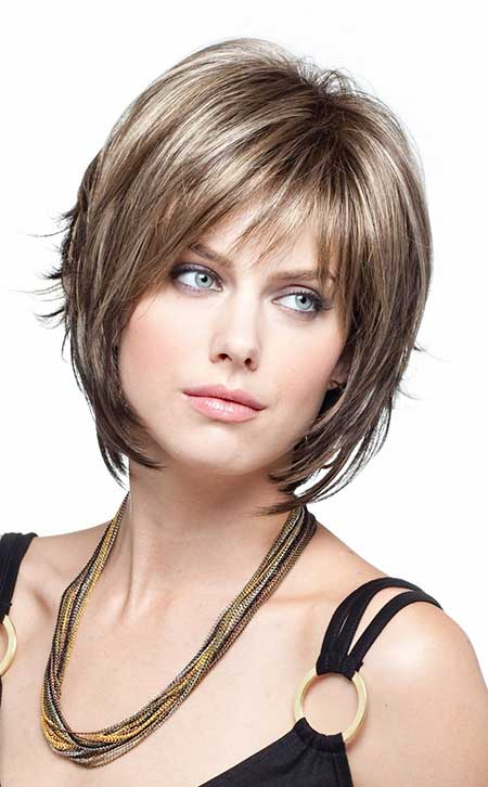 Short Voluminous Layered Bob Neat Highlights