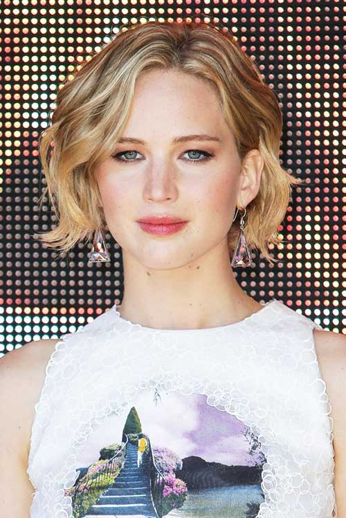 Jennifer Lawrence Growing Out Haircuts