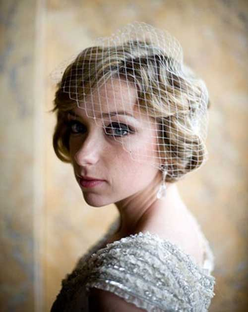 Chic Short Wedding Hairstyles with Birdcage Veil