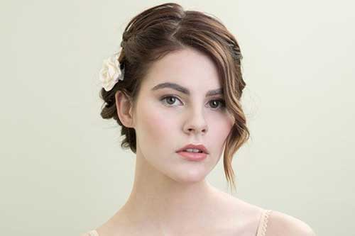 Trendy Short Bob Haircuts for Wedding