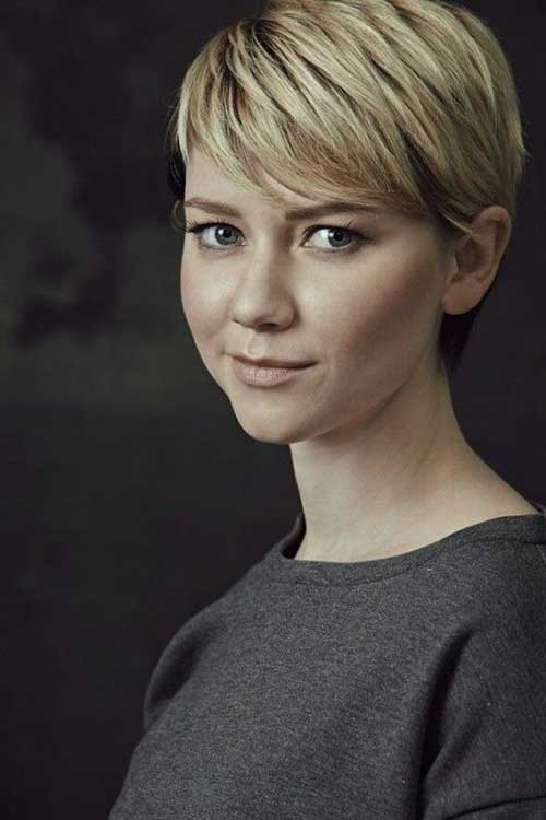 Short Classy Cute Hairstyles for Chic Round Faces